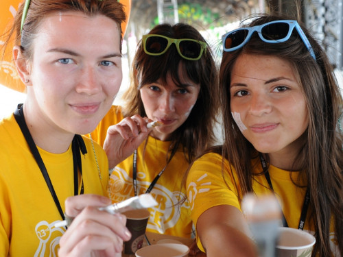 Volunteer at Couleur Café